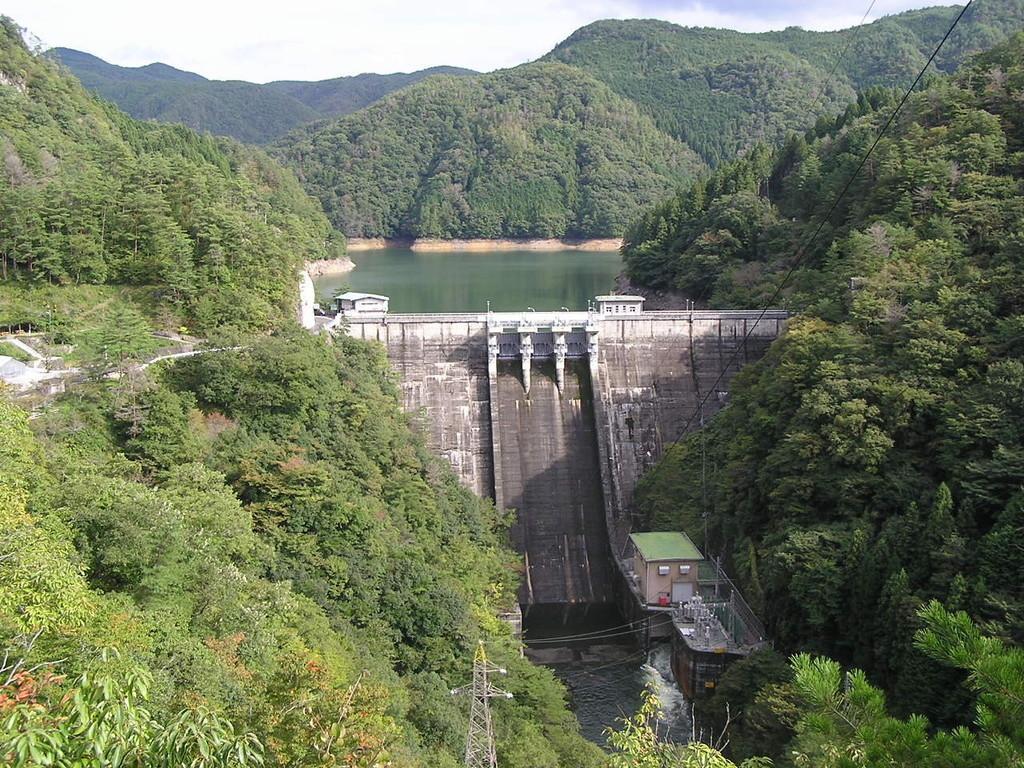 小阪部川ダム 観光スポット   ...